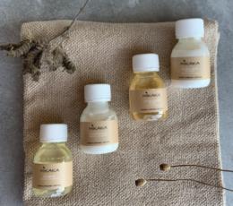 Mikaka Travel Kit. Dansk, økologisk, naturlig, vegansk, bæredygtig. Shampoo, conditioner, bodylotion, kropssæbe